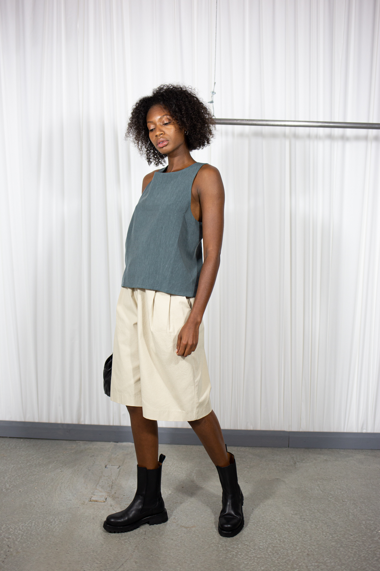 H Sleeveless Mint by Table