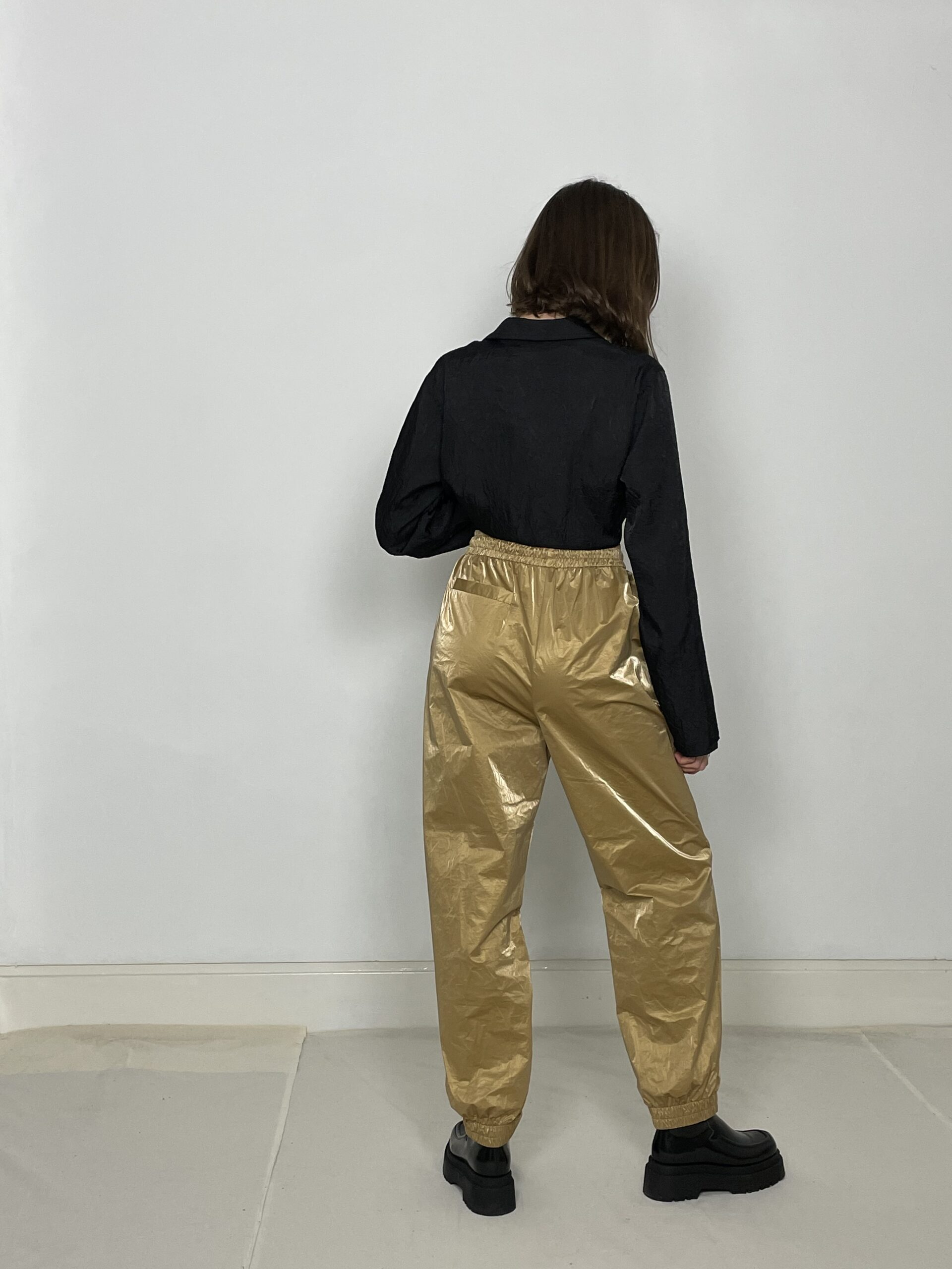 Cafe Noir shine jogger gold
