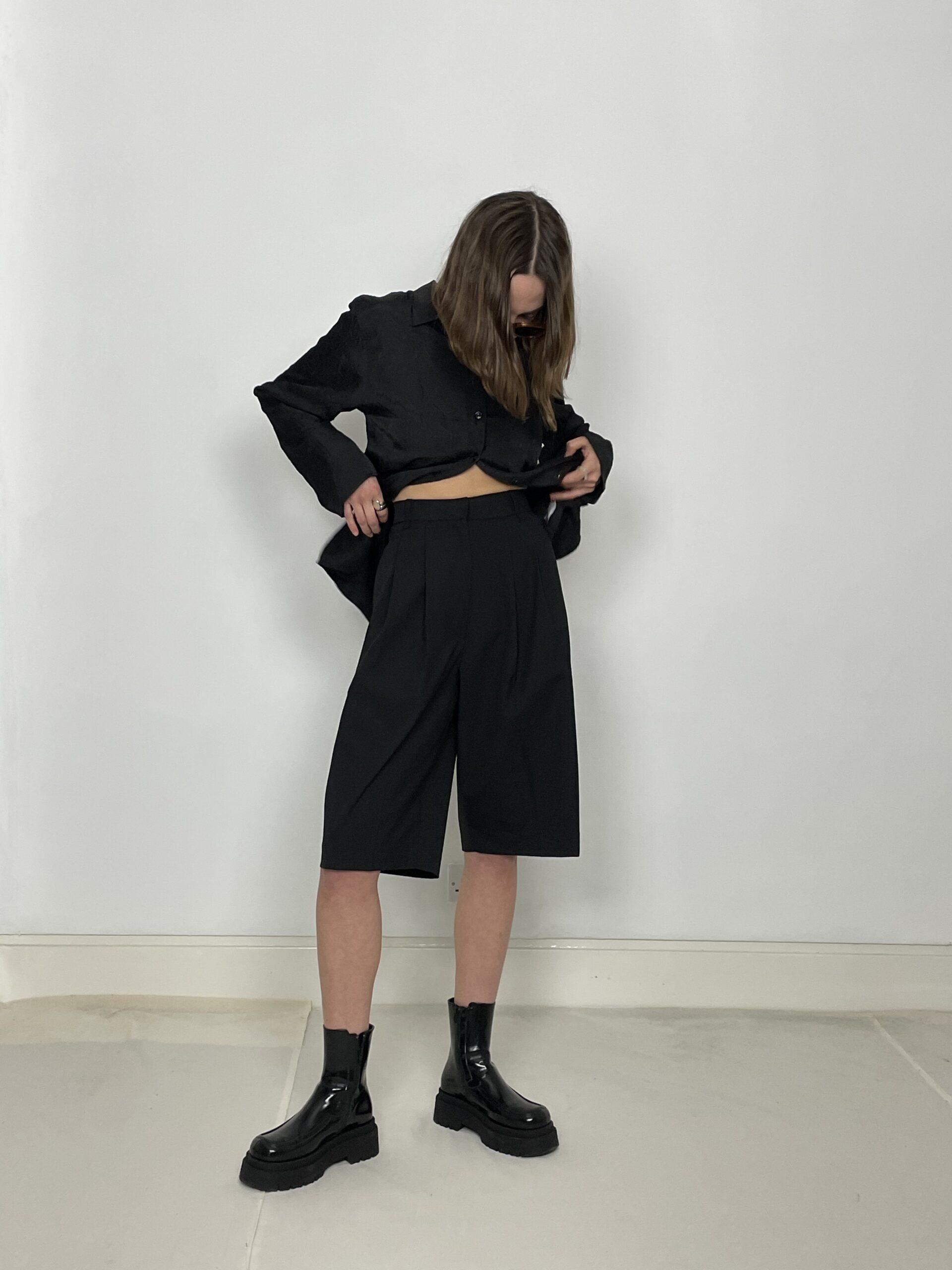 Statement tech shorts in black