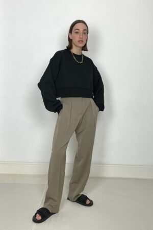 Table Cropped Jumper in Black