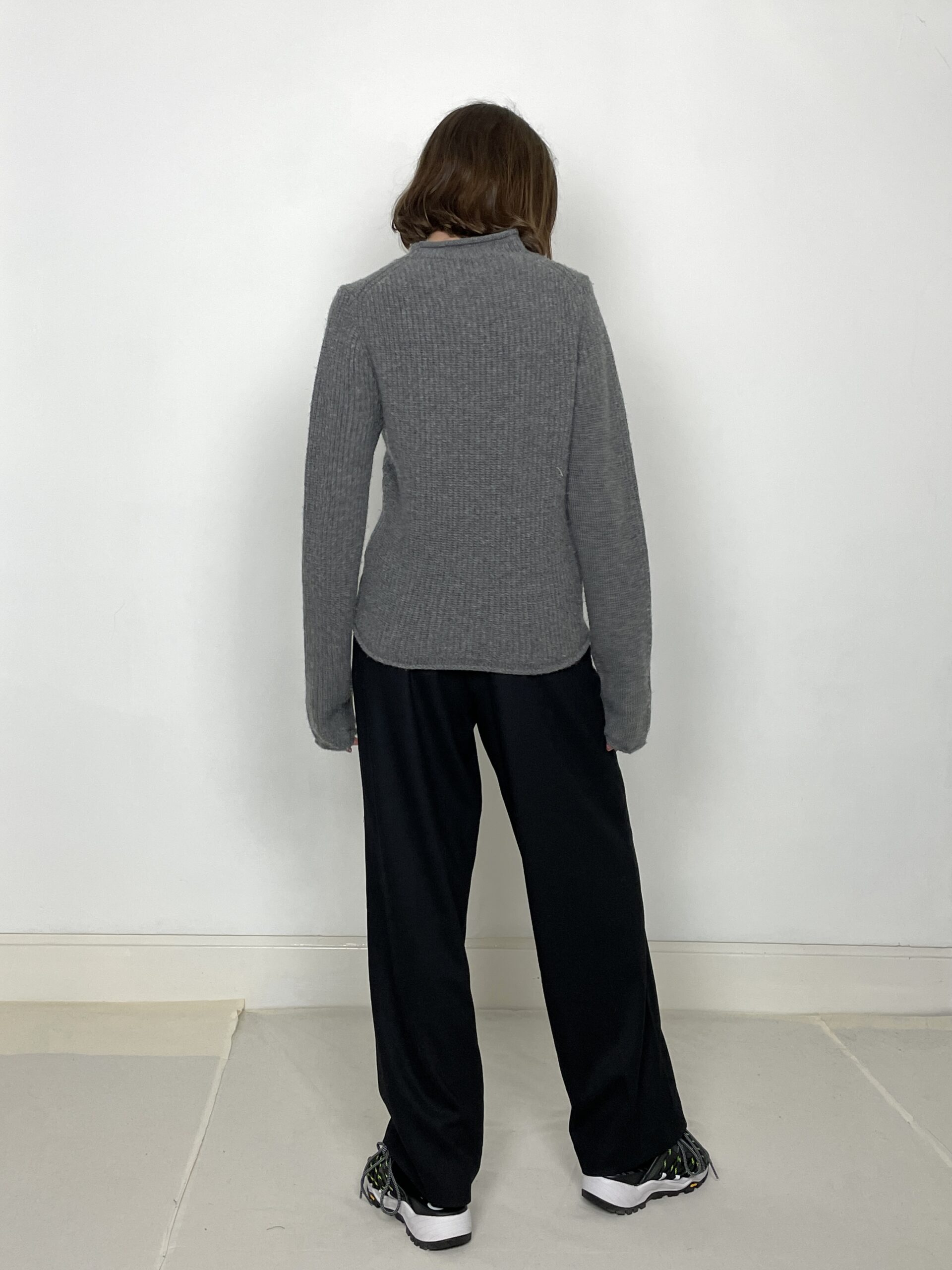 Table Knit Highneck in Grey